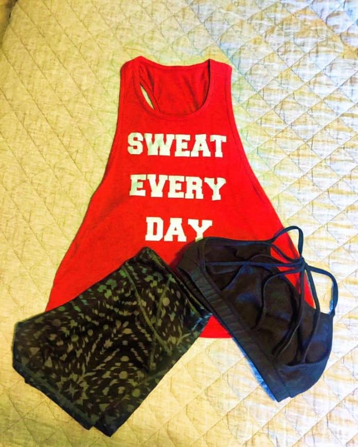 workout clothes, early morning workout, workout, fit mom, sweat everyday,
